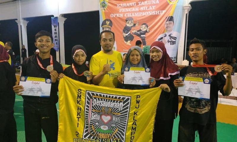 Pencak Silat SMK HKTI 2  Kembali Tampil Sebagai Juara Umum