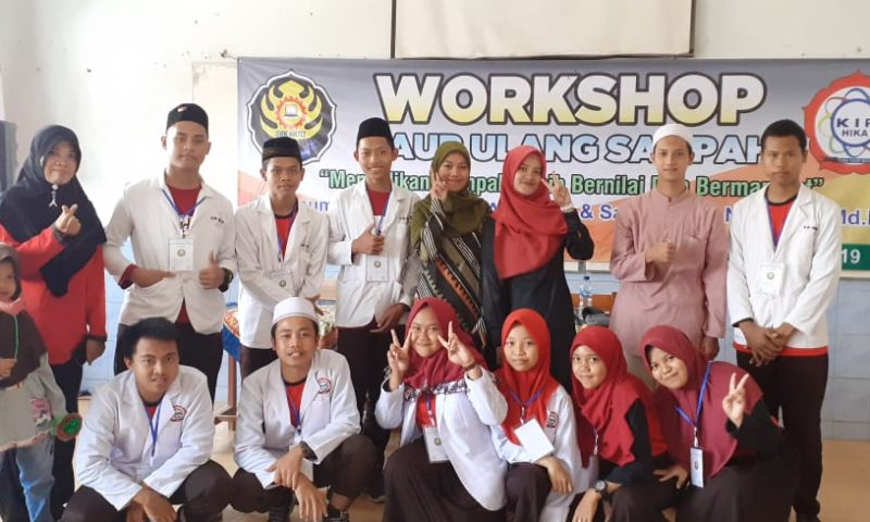 Workshop Karya Ilmiah Remaja (KIR) SMK HKTI 2: Daur Ulang Sampah